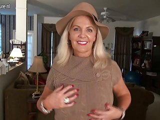 Naughty american mature mom with hot sexy body nl