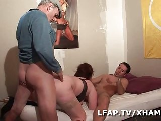 Chinese free video porn grosse rouquine sodomisee par max et papy threesome