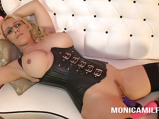 Monicamilf love to watch you jerk off and play with herself ass fuck big tits