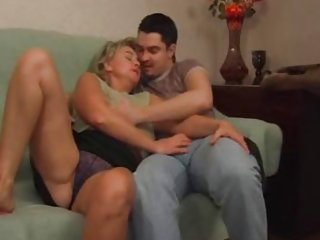 Mature sec matures loves to please young guys v